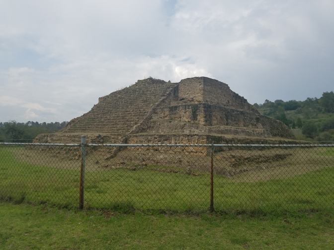 auxiliary pyramid outside the palace at Cacaxtla
