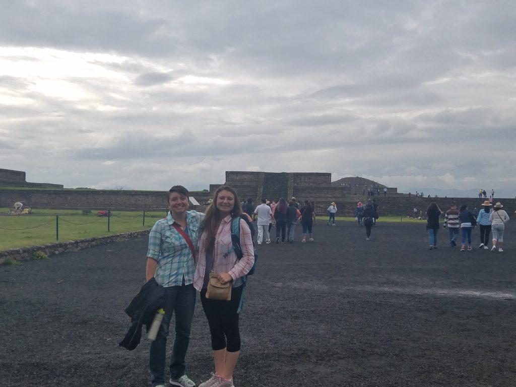 peripheral pyramids at Teotihuacan